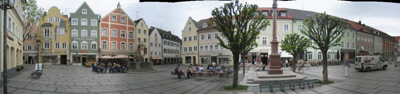 Marienplatz in Weilheim; click to zoom